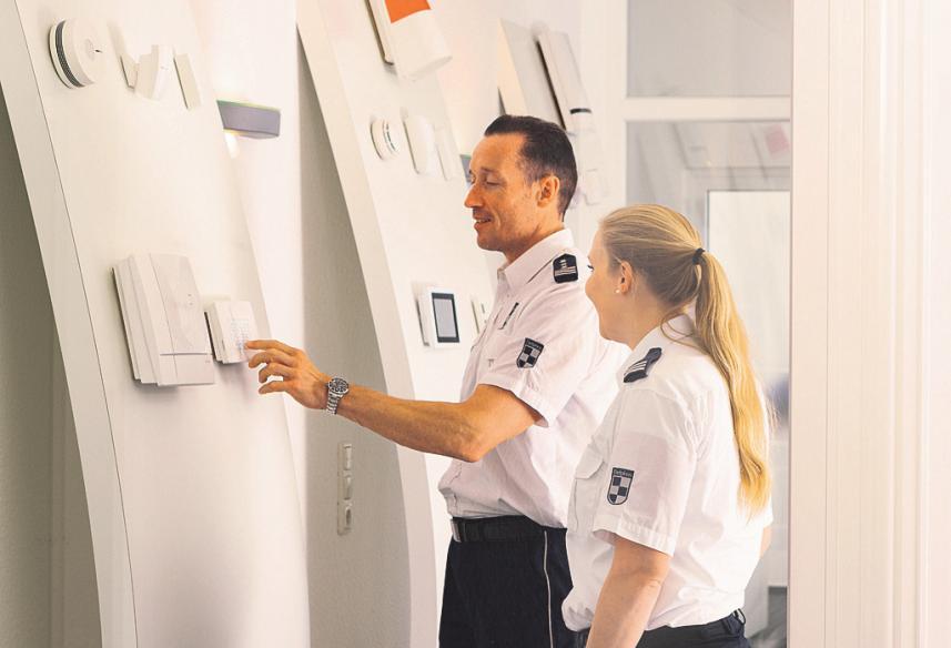 Ausprobieren erwünscht: Im eigenen Showroom präsentiert Delphos modernste Alarmtechnik namhafter Markenhersteller. FOTO: DELPHOS