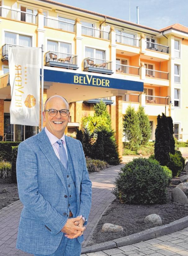 Hoteldirektor Moritz Schmid-Burgk.FOTOS: KATRIN GEHRKE