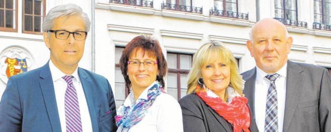 Jörg Schreiber (li.) und sein Team verfügen über viel Kompetenz und umfangreiche Branchenkenntnis. FOTO: CAROLA PIEPER