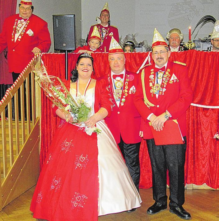 Jens Zimmermann, Präsident der Lübeck-Rangenberger Karnevalsgesellschaft (Mitte) freut sich, auch in diesem Jahr eine Karnevalsprinzessin proklamieren zu dürfen.