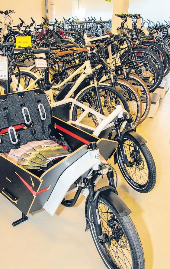 Auf der Ausstellungsfläche im MTB-Market in Bad Schwartau wird die ganze Vielfalt der Zweiräder gezeigt. FOTOS: AHÖ