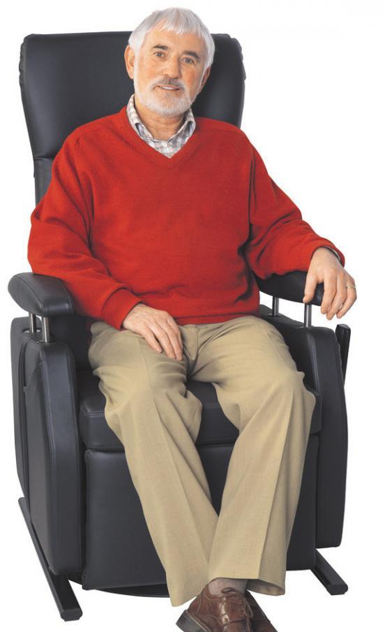 Wer im Alter bequem sitzen will, braucht einen individuellen Ruhesessel. FOTO: WELLCO