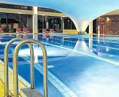 """Das Hallenbad der """"Rülax-Wellness-Therme"""" im Hotel."""
